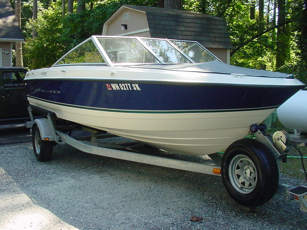2012 Bayliner boat for sale, model of the boat is Discovery 195 BR & Image # 3 of 16