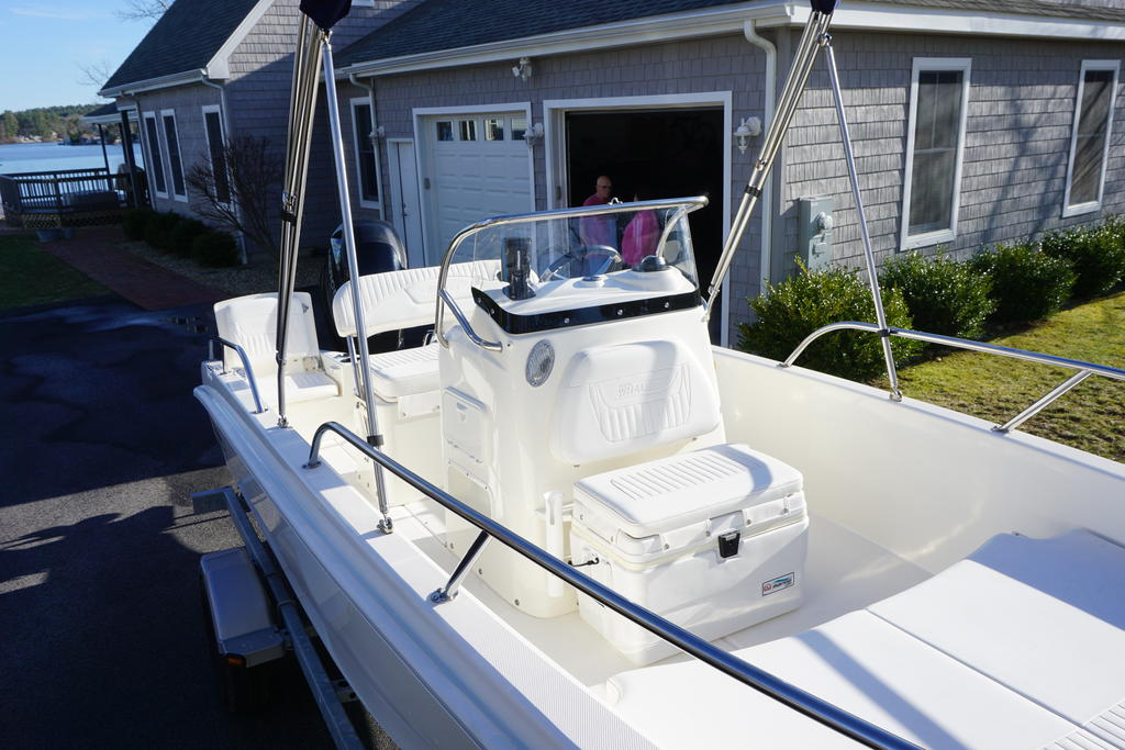 2014 Boston Whaler boat for sale, model of the boat is 170 Dauntless & Image # 2 of 7