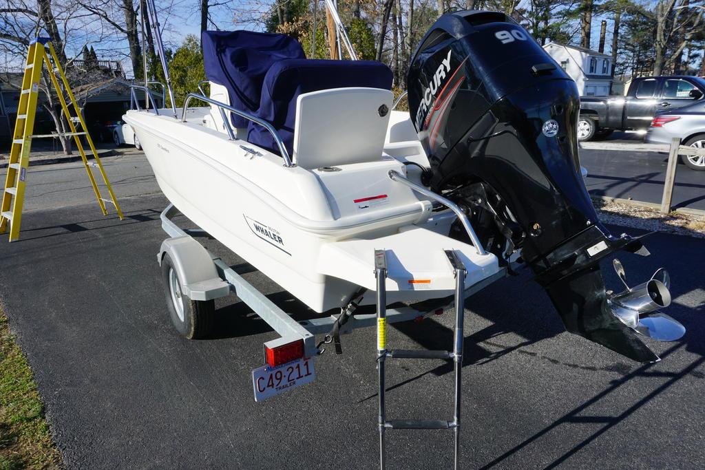 2014 Boston Whaler boat for sale, model of the boat is 170 Dauntless & Image # 5 of 7