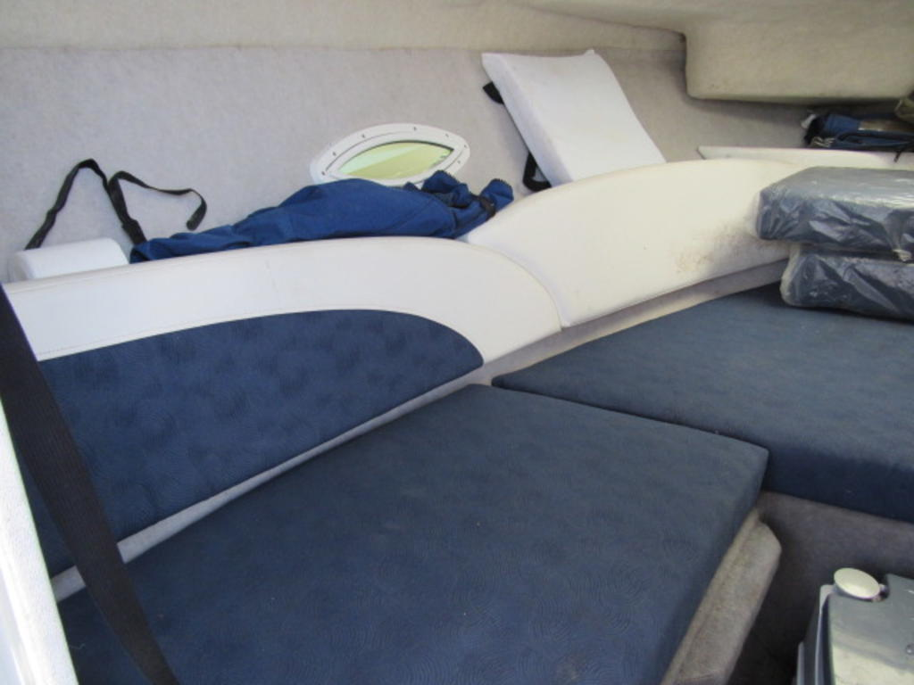 2008 Bayliner boat for sale, model of the boat is 210 Discovery & Image # 11 of 31