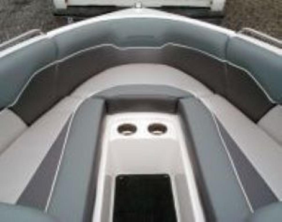 2014 Moomba boat for sale, model of the boat is Mobius LSV & Image # 3 of 16