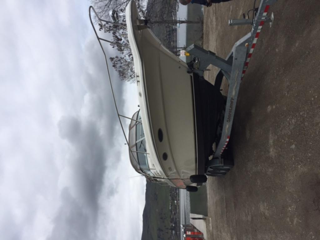 1996 Sea Ray boat for sale, model of the boat is 330 Sundancer DA & Image # 7 of 15
