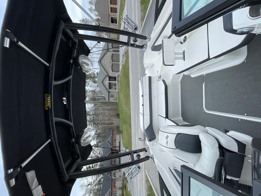 2015 Sea Ray boat for sale, model of the boat is SPX 21.5 & Image # 5 of 10