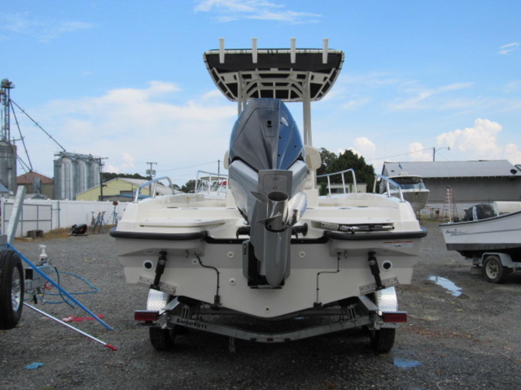 2019 Boston Whaler boat for sale, model of the boat is 240 Dauntless & Image # 8 of 27