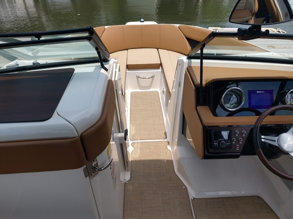 2018 Sea Ray boat for sale, model of the boat is 230 SPXO & Image # 7 of 12