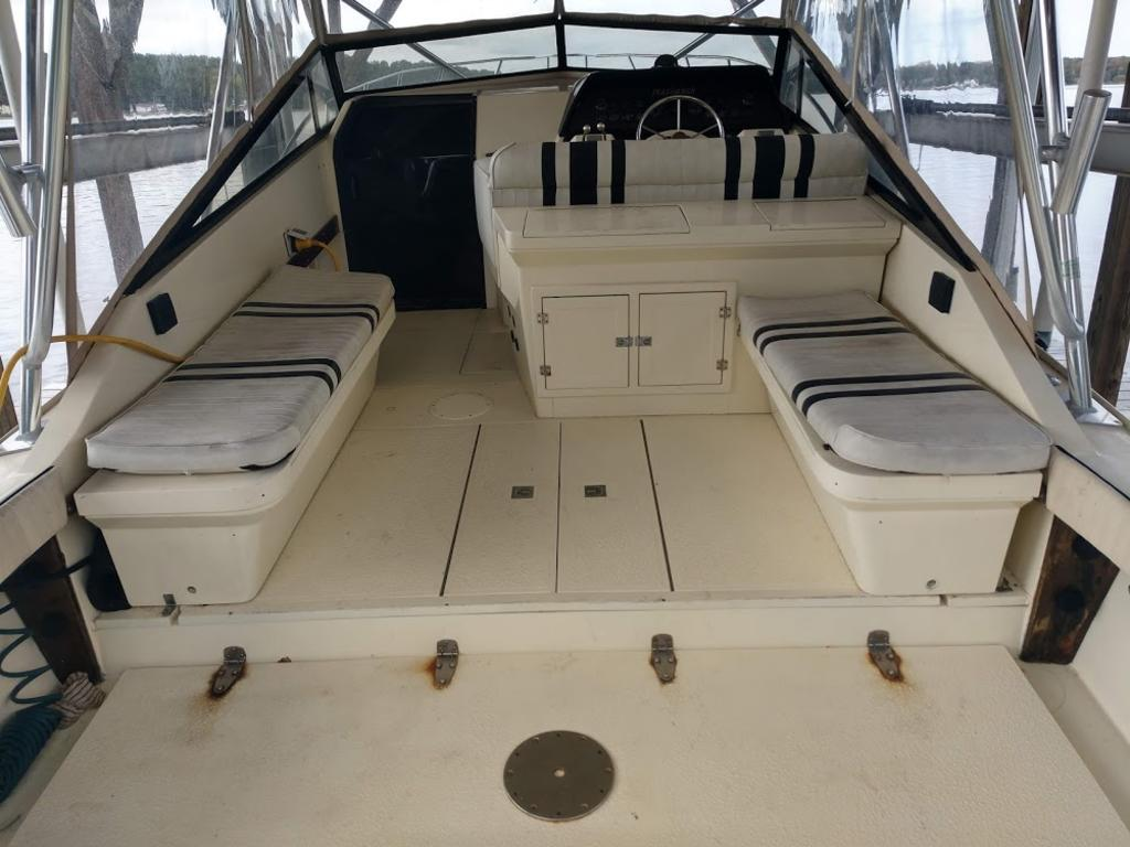 1993 Performer boat for sale, model of the boat is 32 & Image # 6 of 14