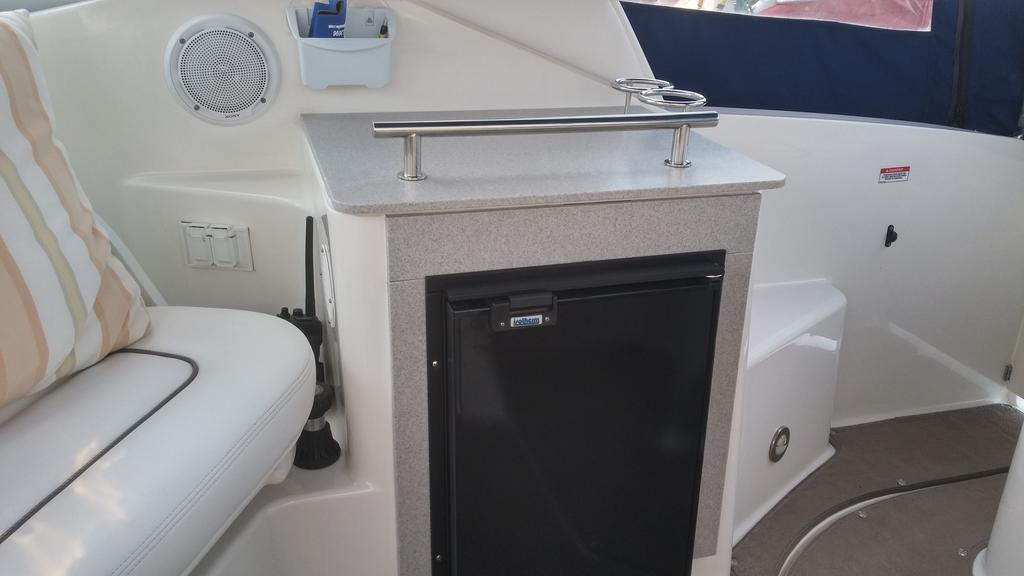 2011 Sea Ray boat for sale, model of the boat is 260 Sundancer & Image # 2 of 6