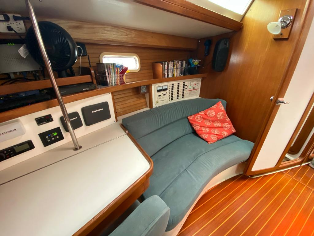 1993 Catalina Yachts Cruiser Series boat for sale, model of the boat is 42 & Image # 9 of 14