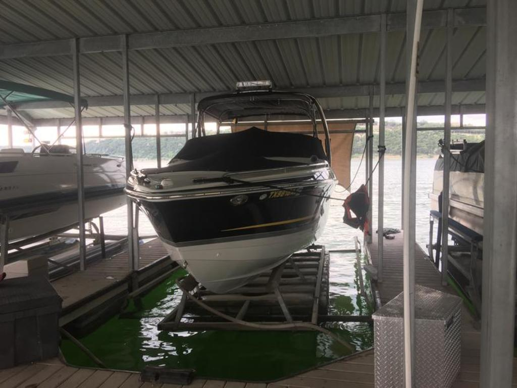 2007 Formula boat for sale, model of the boat is 260 BR & Image # 1 of 10