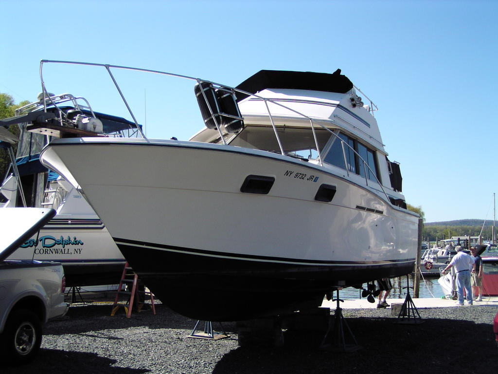 1981 Carver boat for sale, model of the boat is Aft Cabin 3007 & Image # 20 of 21