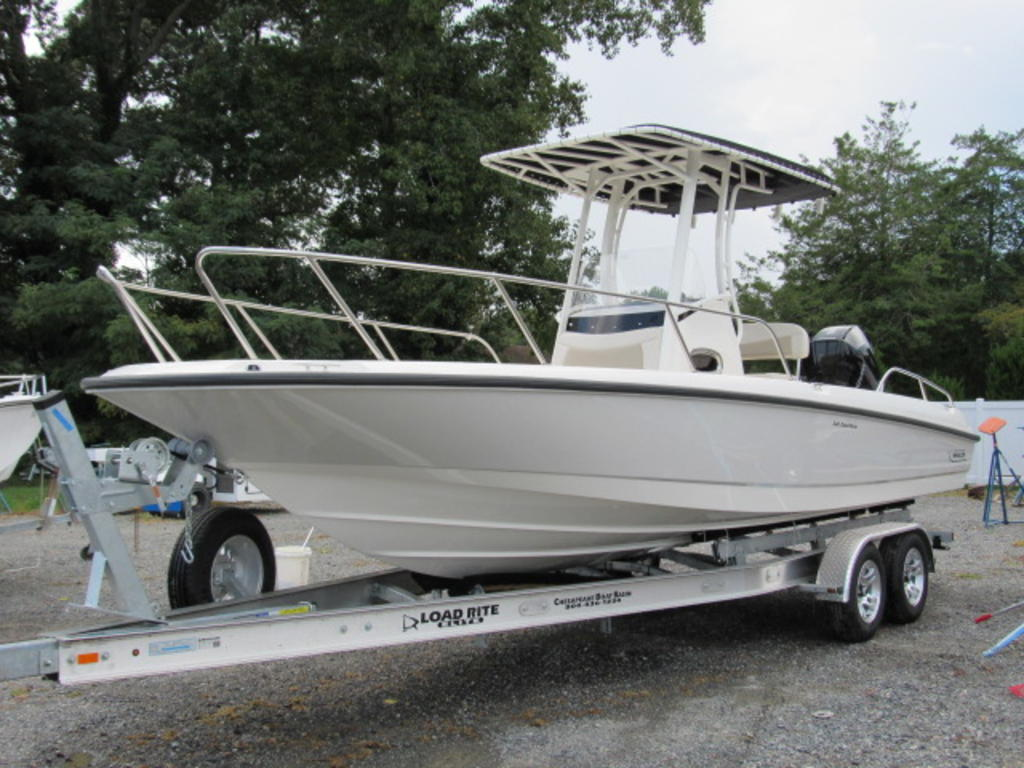 2019 Boston Whaler boat for sale, model of the boat is 240 Dauntless & Image # 1 of 27
