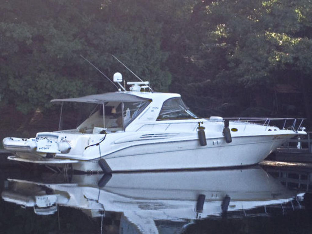 1997 Sea Ray boat for sale, model of the boat is 45 Sundancer Sportyacht & Image # 1 of 10