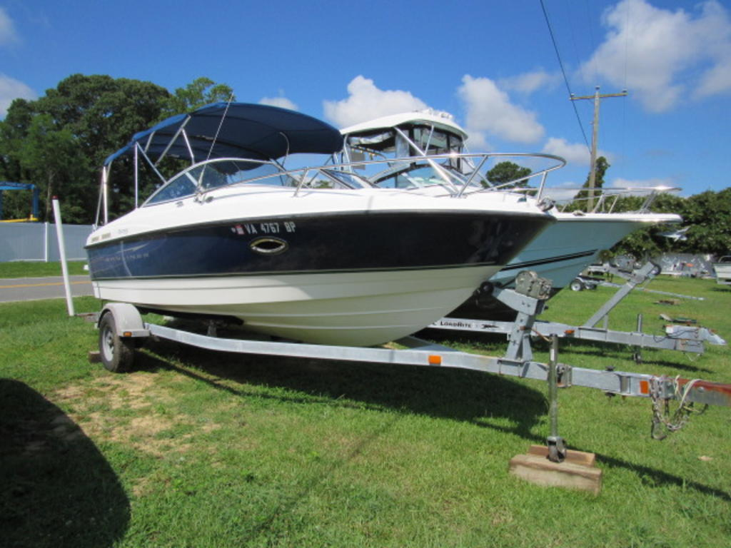 2008 Bayliner boat for sale, model of the boat is 210 Discovery & Image # 1 of 31