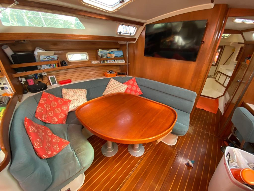 1993 Catalina Yachts Cruiser Series boat for sale, model of the boat is 42 & Image # 13 of 14