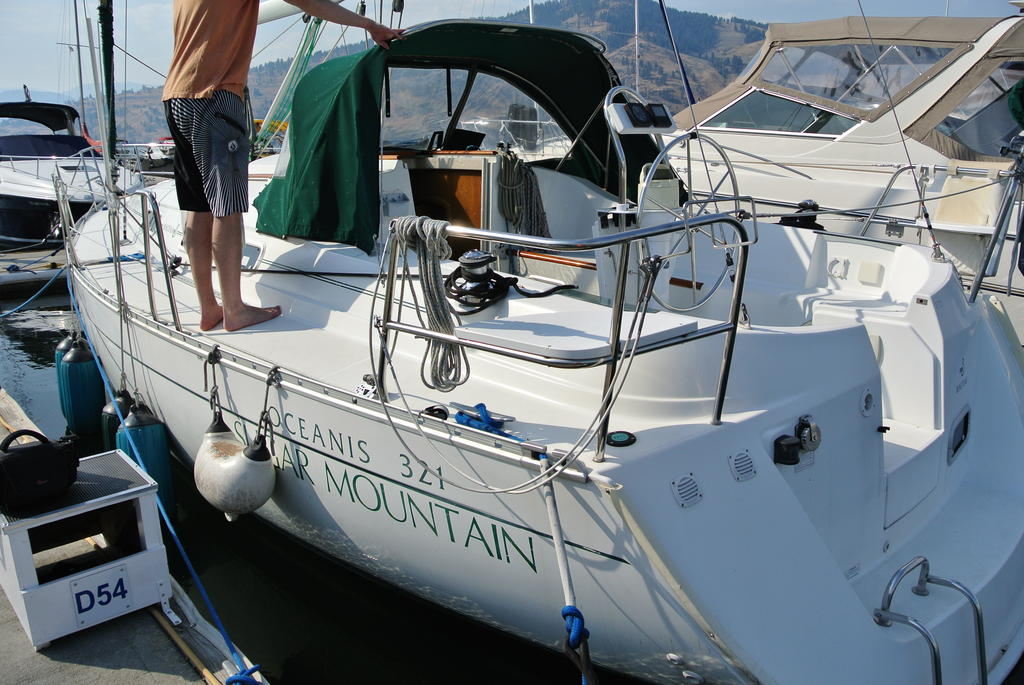 1998 Beneteau boat for sale, model of the boat is Oceanis 321 & Image # 3 of 18