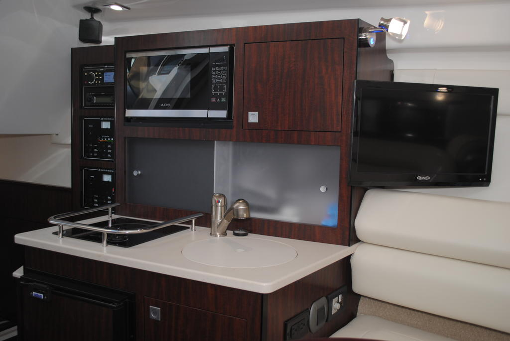2018 Monterey boat for sale, model of the boat is 275SY & Image # 16 of 27