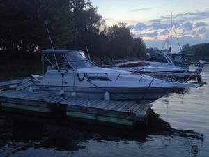 1990 CRUISERS YACHTS HOLIDAY 2570 for sale