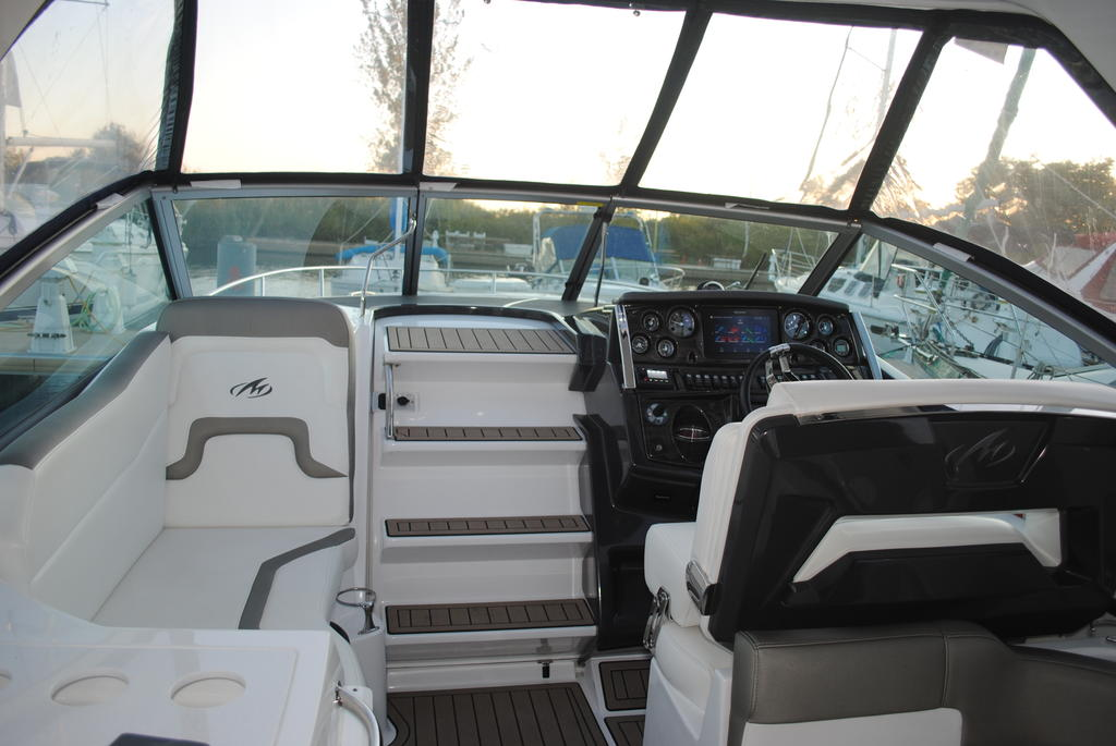 2018 Monterey boat for sale, model of the boat is 275SY & Image # 11 of 27
