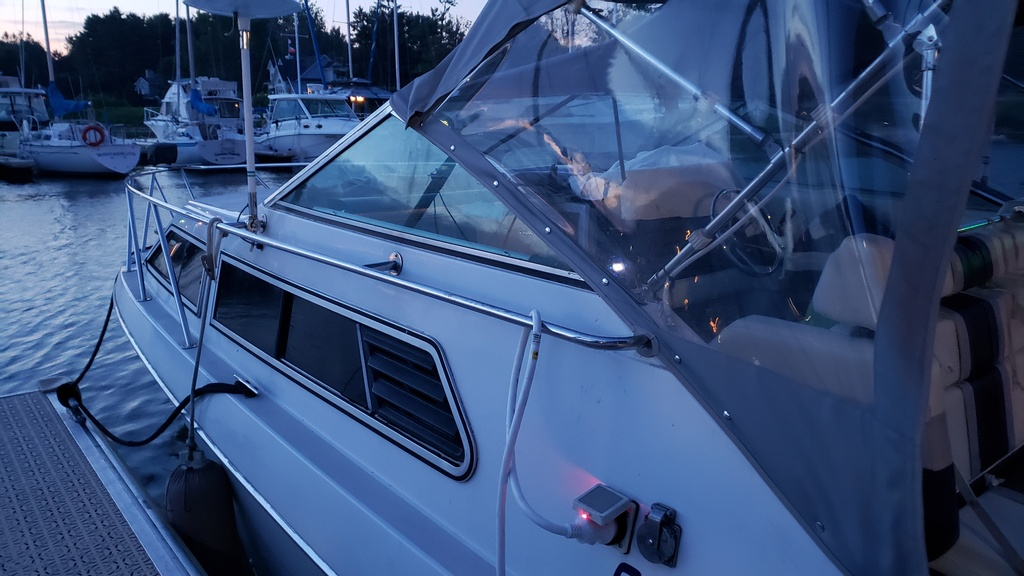 1986 Chris Craft boat for sale, model of the boat is Scorpion Aft Cabin & Image # 9 of 28