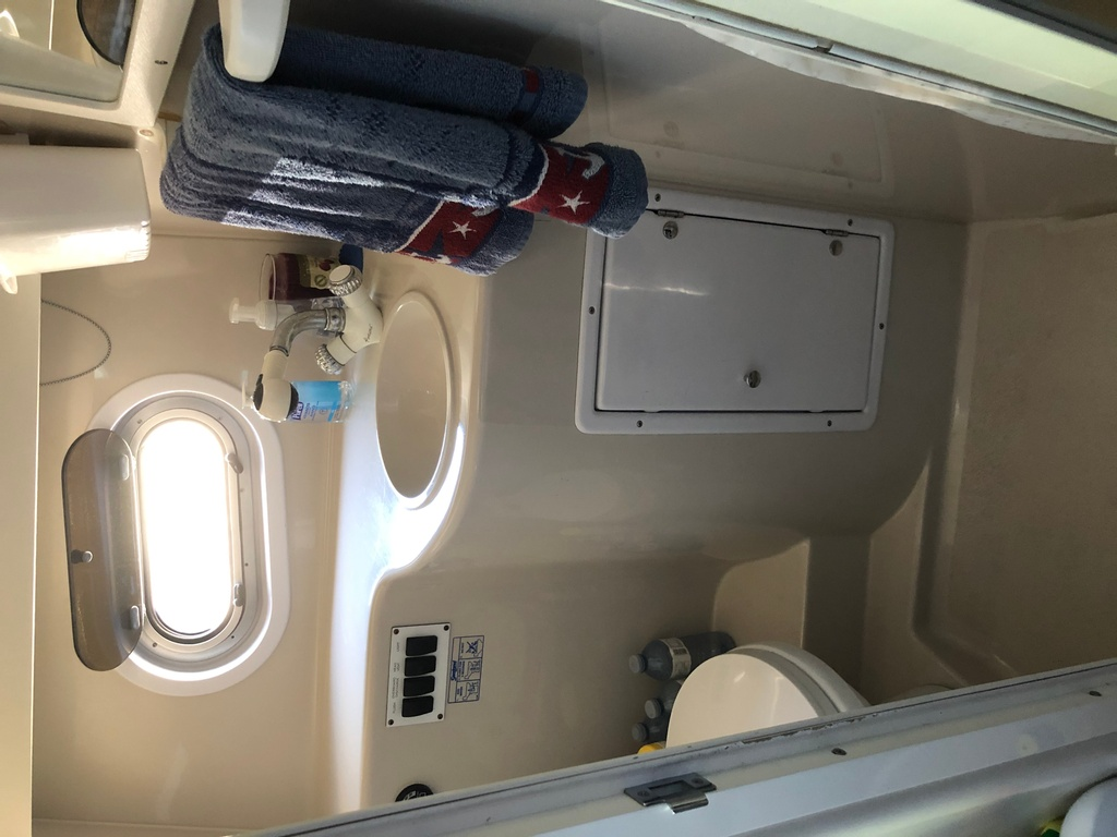 2001 Four Winns boat for sale, model of the boat is 328 Vusta & Image # 16 of 23