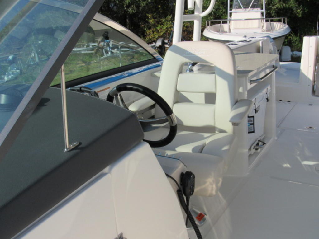 2019 Boston Whaler boat for sale, model of the boat is 270 Vantage & Image # 8 of 22