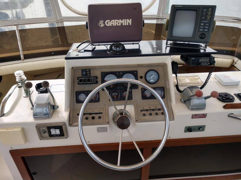 1986 Trojan boat for sale, model of the boat is F-36 & Image # 10 of 13