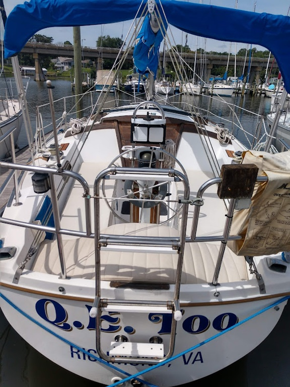 1984 Catalina Yachts Cruiser Series boat for sale, model of the boat is C-30 & Image # 2 of 11