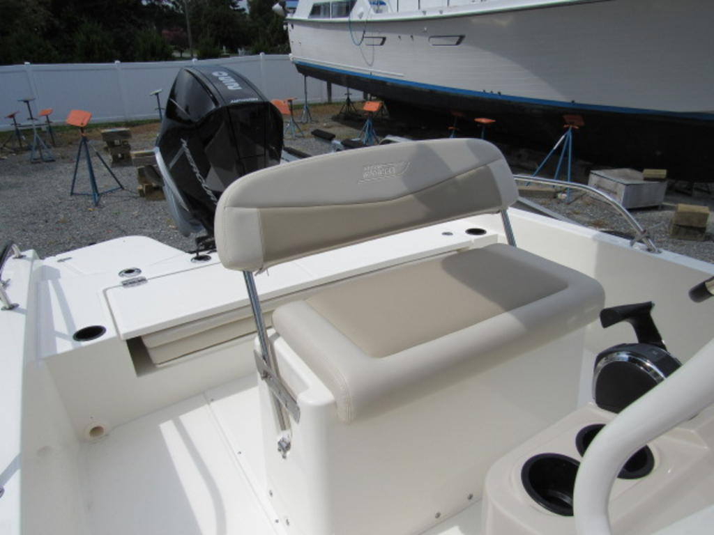 2019 Boston Whaler boat for sale, model of the boat is 240 Dauntless & Image # 18 of 27