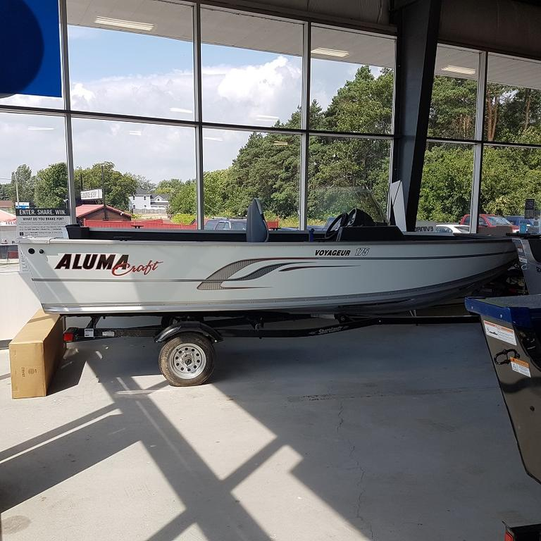 For Sale: 2016 Alumacraft Voyageur 175 Cs 17ft<br/>Leatherdale Marine
