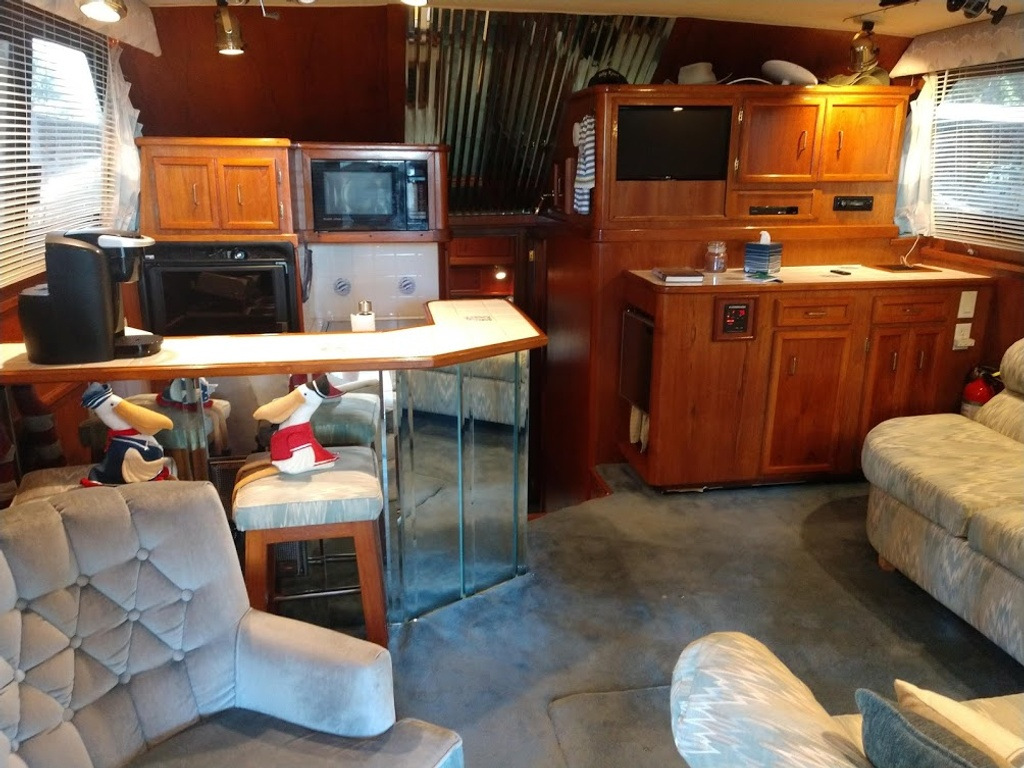 1989 Egg Harbor boat for sale, model of the boat is 37 Convertible & Image # 6 of 12
