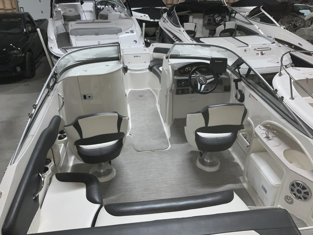 2017 Stingray boat for sale, model of the boat is 215 LR & Image # 7 of 13