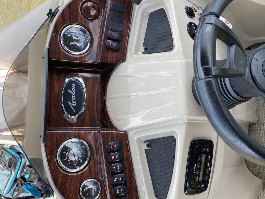 2016 Avalon boat for sale, model of the boat is Catalina  & Image # 3 of 15