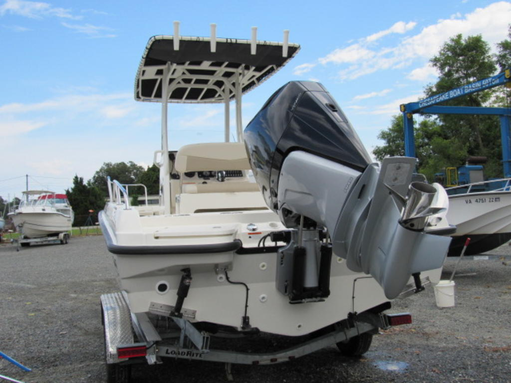2019 Boston Whaler boat for sale, model of the boat is 240 Dauntless & Image # 3 of 27