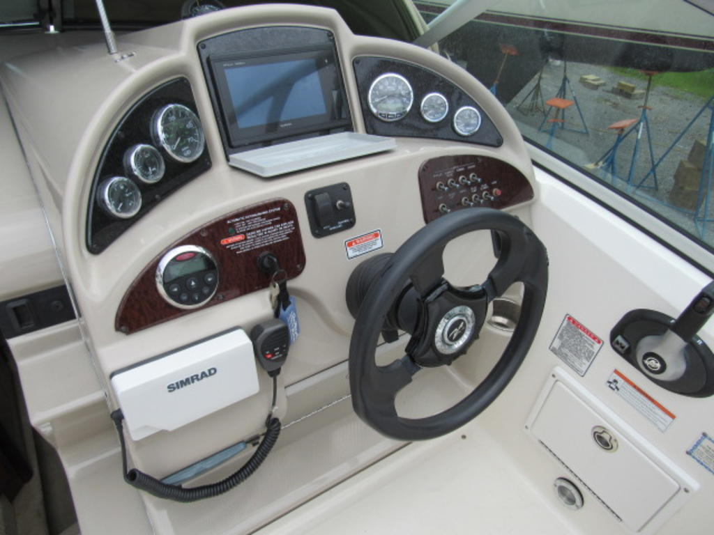 2006 Sea Ray boat for sale, model of the boat is 270 Amberjack & Image # 15 of 48
