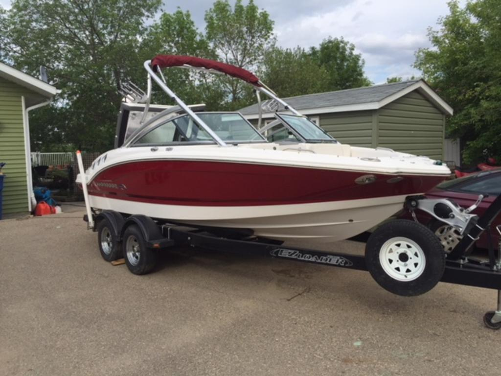 2013 Chaparral boat for sale, model of the boat is 206 SSE & Image # 1 of 4