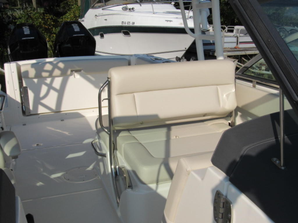 2019 Boston Whaler boat for sale, model of the boat is 270 Vantage & Image # 9 of 22