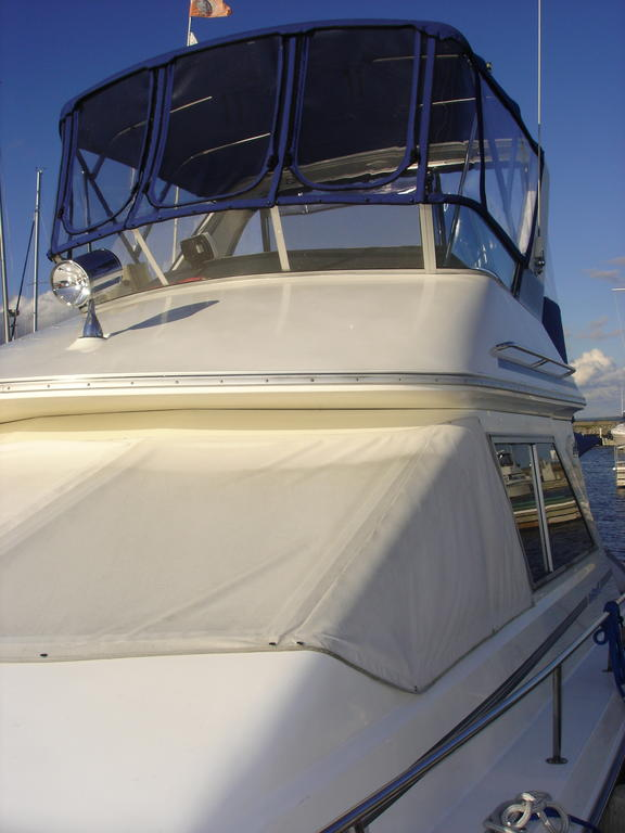 1989 Sea Ray boat for sale, model of the boat is 340 / 345 Sedan Bridge & Image # 15 of 52
