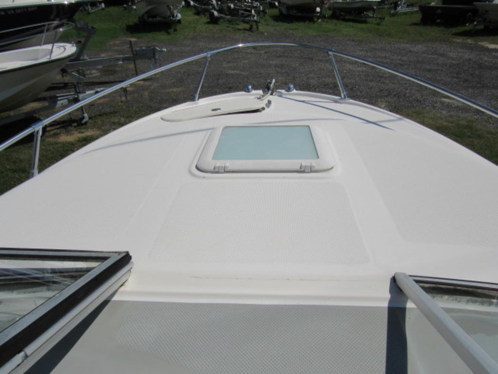2008 Bayliner boat for sale, model of the boat is 210 Discovery & Image # 15 of 31