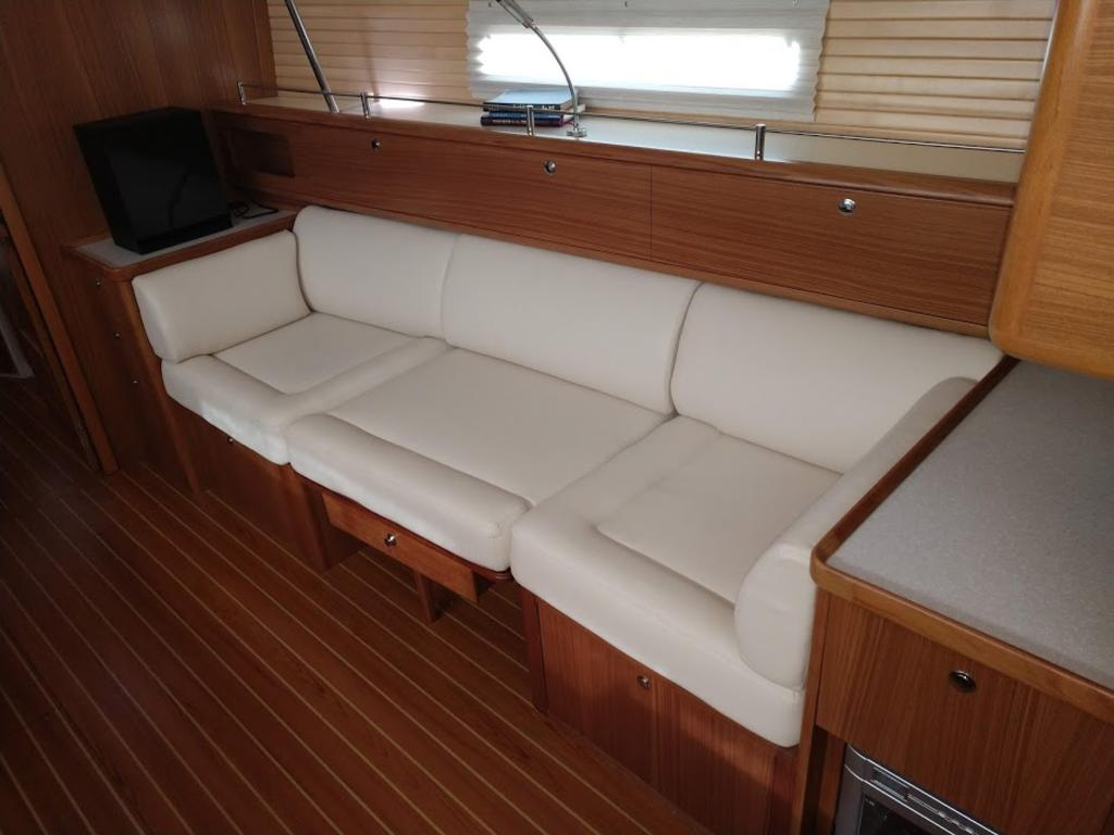 2017 Catalina Yachts Cruiser Series boat for sale, model of the boat is 425 & Image # 9 of 11