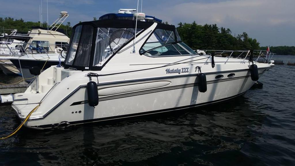 1999 Maxum boat for sale, model of the boat is 4100SCR & Image # 1 of 8