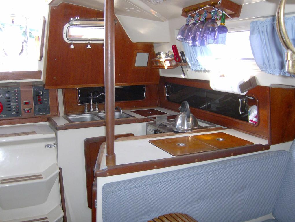 1982 Mirage boat for sale, model of the boat is 33 Sloop & Image # 8 of 15