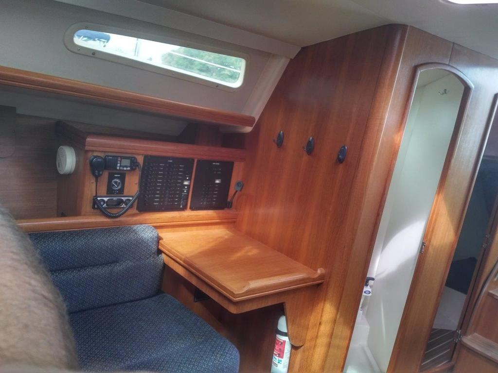 2007 Hunter boat for sale, model of the boat is 33 & Image # 7 of 8