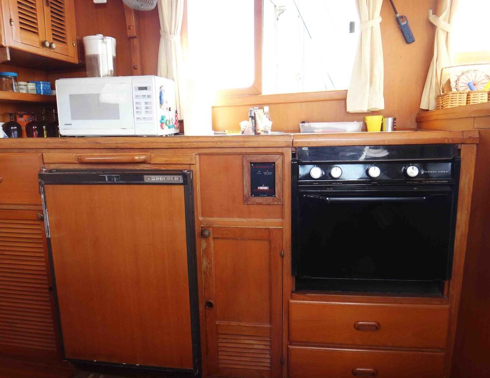 1986 Sea Lord boat for sale, model of the boat is 34 Double Cabin Trawler & Image # 5 of 10