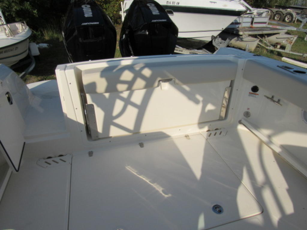 2019 Boston Whaler boat for sale, model of the boat is 270 Vantage & Image # 15 of 22