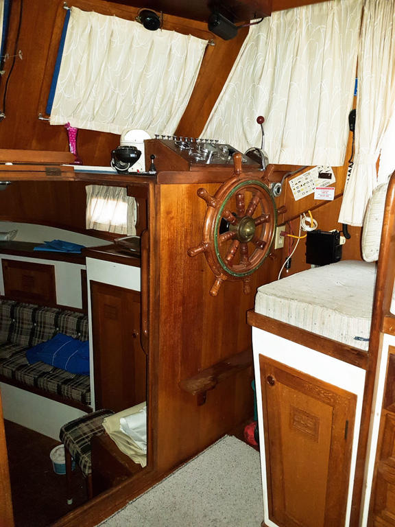 1980 Cheoy Lee boat for sale, model of the boat is 35 Sedan Trawler & Image # 12 of 18