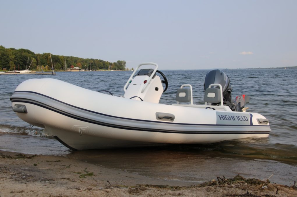 2018 Highfield boat for sale, model of the boat is Classic 380 Deluxe & Image # 2 of 7