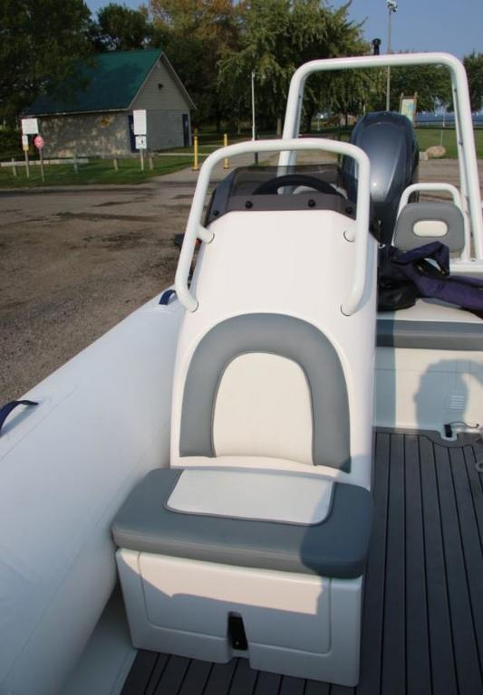 2018 Highfield boat for sale, model of the boat is Ocean Master 390 Deluxe & Image # 5 of 7