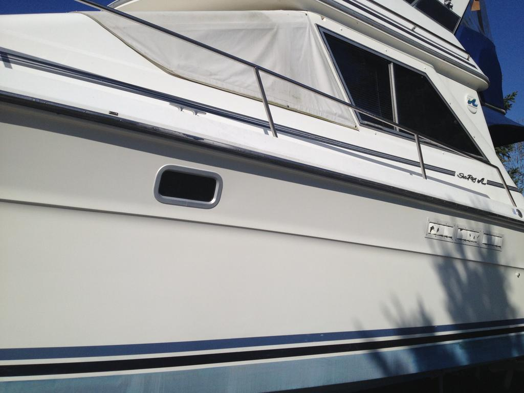 1989 Sea Ray boat for sale, model of the boat is 340 / 345 Sedan Bridge & Image # 24 of 52