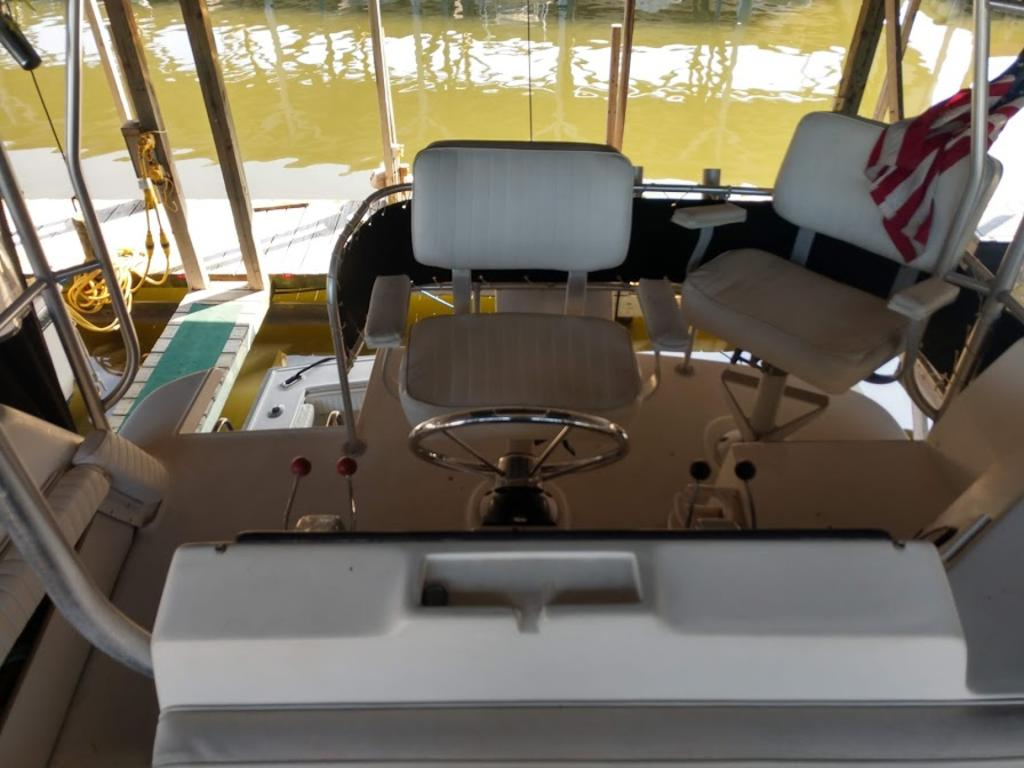 1989 Luhrs boat for sale, model of the boat is 342 & Image # 4 of 9