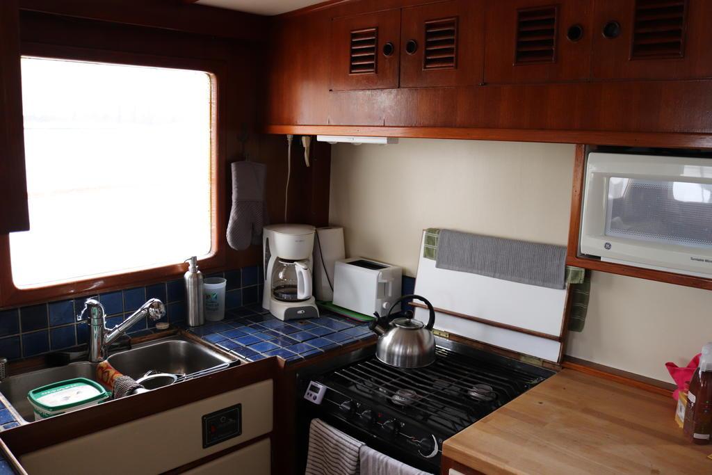 1981 Sea Ranger boat for sale, model of the boat is Pilot House & Image # 2 of 24